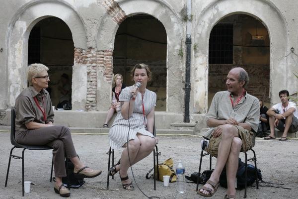 Visa pour l'image - Perpignan 2010 : Vues d'ailleurs, avec Freelens De gauche à droite : Andrea Star Reese, Stéphanie Sinclair, Craig F. Walker