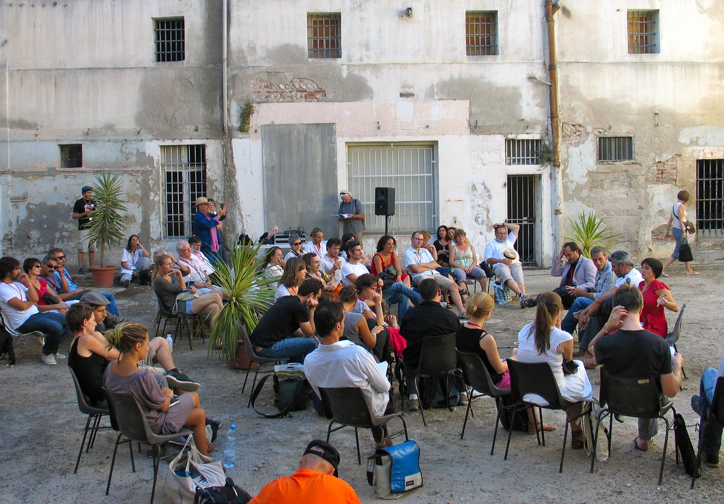 Visa pour l'image - Perpignan 2010 : Vues d'ailleurs, avec Freelens au couvent Sainte Claire