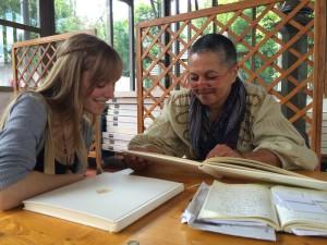Corine de l'ANI en lecture avec Madelaine Gamondes ©Claudia Zels